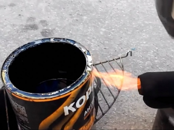 Способы обработки днища автомобиля от коррозии своими руками